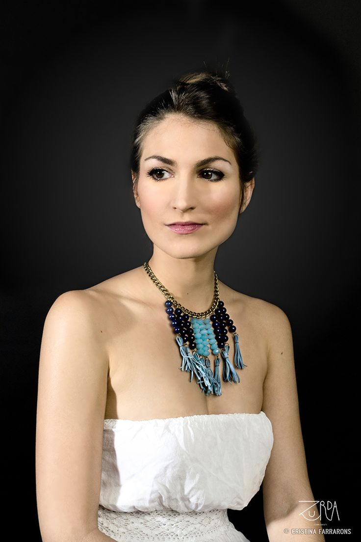 Gargantilla Marna, diseñada por Zurda. Modelo: Sara Belmonte. #Zurda #collar #necklace #bisutería #bijou #diseño #design #African #SS14