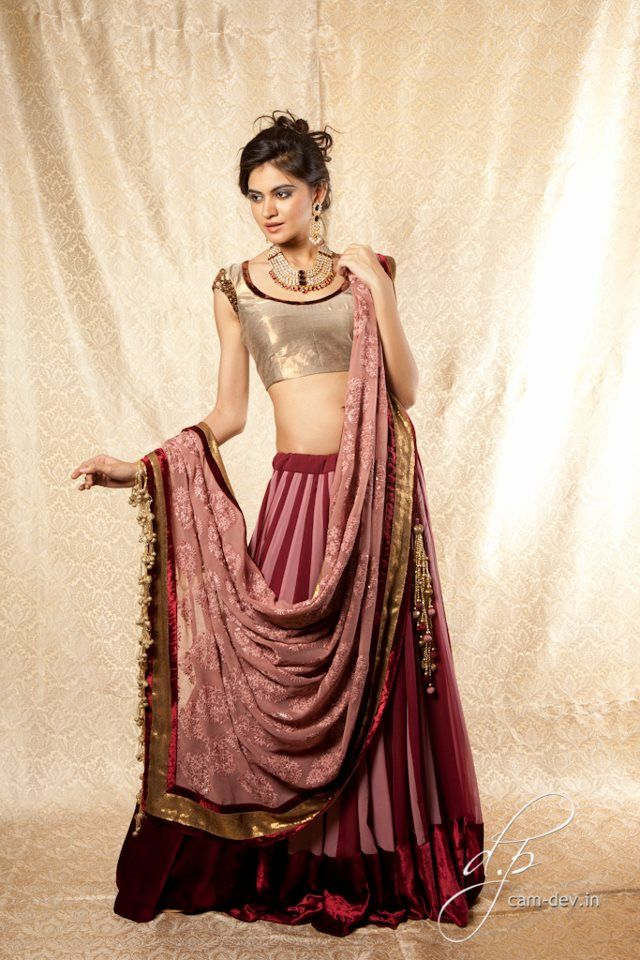 Outfit by: Shyamal & Bhumika