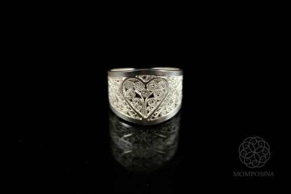 Woven silver filigree heart ring.
