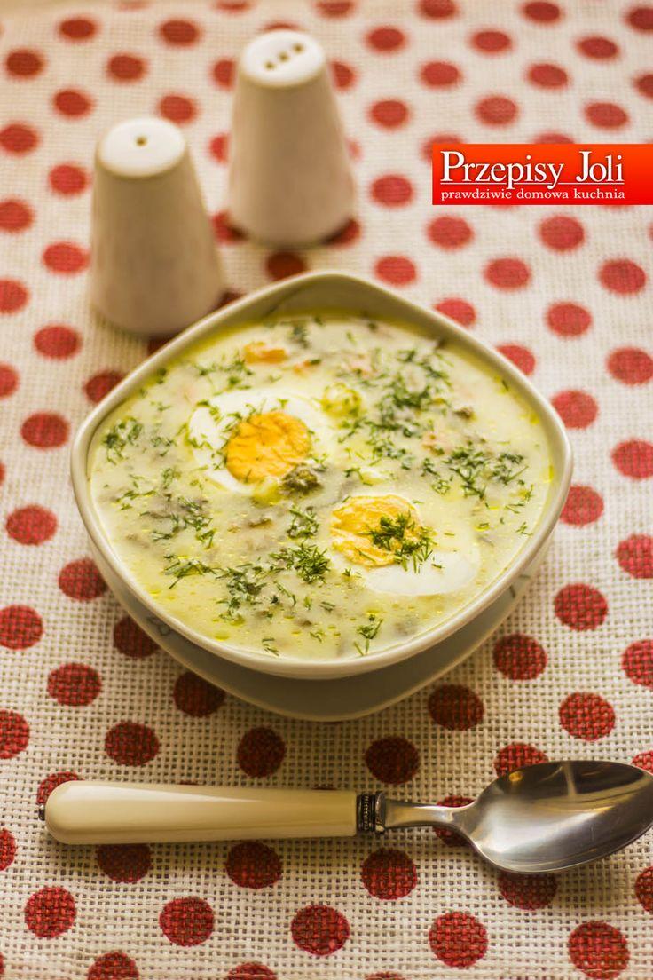 ZUPA SZCZAWIOWA Składniki: Pół kurczaka (500 g) 4 pęczki szczawiu Śmietana kremówka (kubek) 2 łyżki masła 1 marchewka 1 pietruszka Koperek zielony do posypania Sól Pieprz 1 woreczek ryżu Ugotowane jajka na twardo (zobacz film: Jak ugotować jajko na twardo? ) Wykonanie: Mięso z kurczaka opłukałam, pocięłam na mniejsze kawałki, zalałam wodą, posoliłam i wstawiłam …