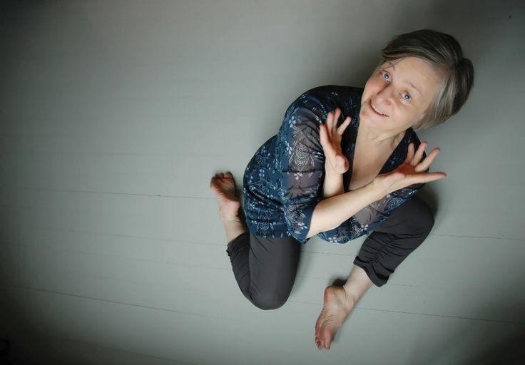 Jaana Irmeli Turunen / Joogaa, somaattisuutta ja lepoa -kurssin opettaja | Full Moon Dance Festival