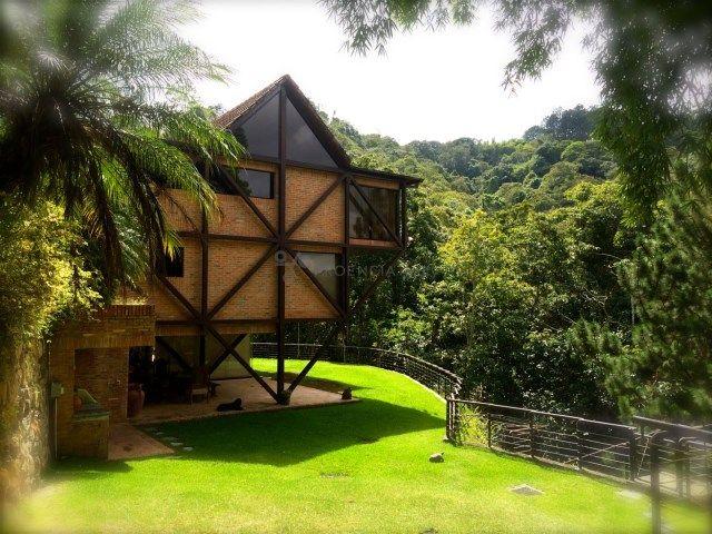Oripoto: una joya en el bosque CCS-116 Fachada posterior  Casa alquiler Caracas