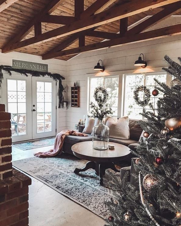 Decorsteals Com On Instagram Something About Exposed Wood Beams Make Us Swoon And There Country Style Dining Room Farm House Living Room Rustic Living Room