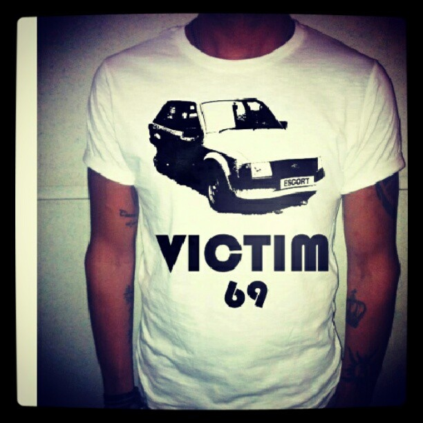 Victim 69 T-Shirt #tshirt #maglia #maglietta #tee #car #macchina #69 #victim #ford #escort #fordescort #fashion #moda #mode #fashionitaly #man #uomo #ragazzo #boy #italianstyle #italianboy #tatuaggio #tatuaggi #tattoo #tatoo #nogiftmorelove #happiness - @chemisiershop  #webstagram