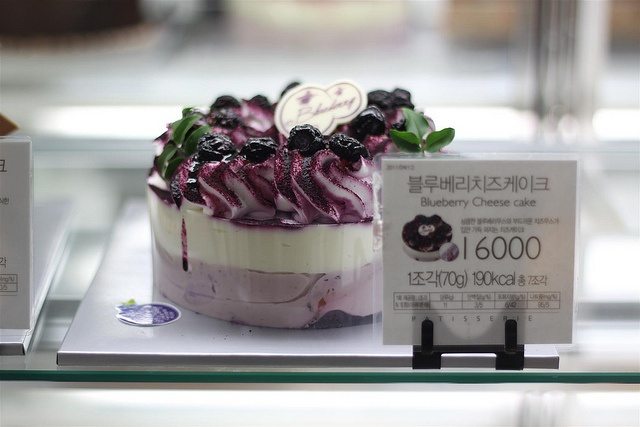 Korean Blueberry Cheesecake from Paris Baguette Bakery, via Flickr.