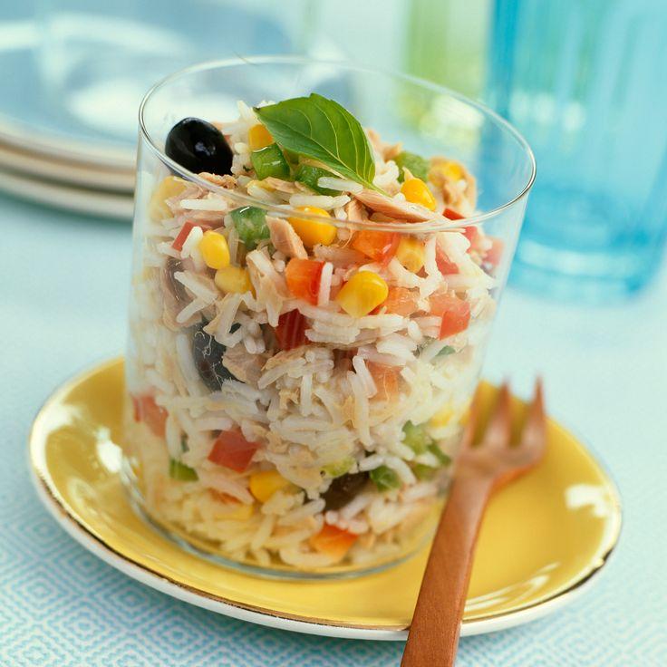 Découvrez la recette Salade de riz au maïs et aux olives noires sur cuisineactuelle.fr.
