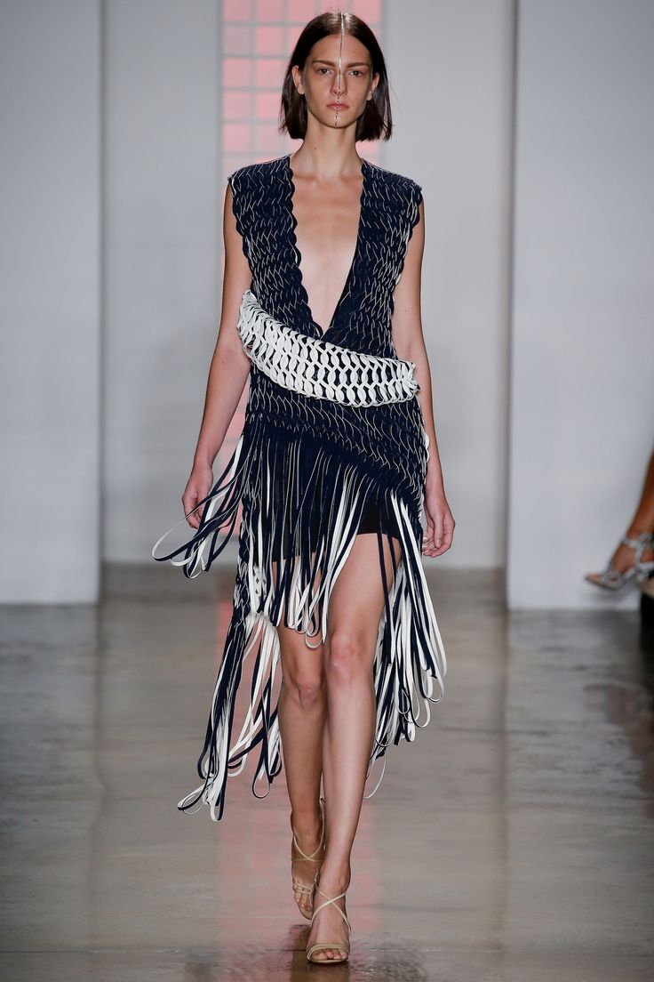 Dion Lee Spring/Summer 2016 READY-TO-WEAR Fashion Show