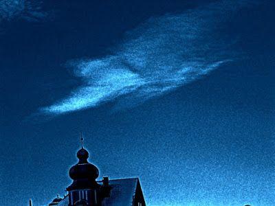 Satu Ylävaaran grafiikkaa & taidetta: Is there a Thin Wite Duke on the roof?