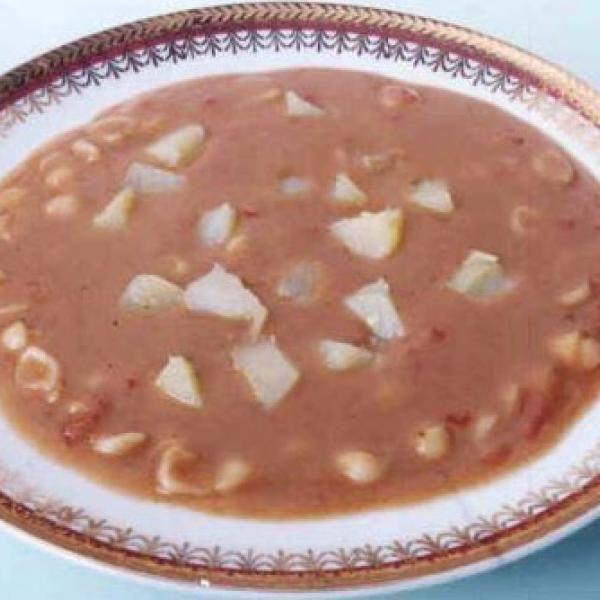 Receita de Sopa de Feijão com Macarrão - feijão carioquinha, batata, água, tomate, macarrão padre nosso, sal, pimenta-do-reino branca...