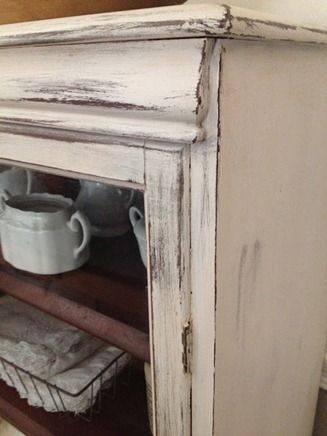 DIY::Pretty white distressed cabinet, with cheap DIY chalk paint