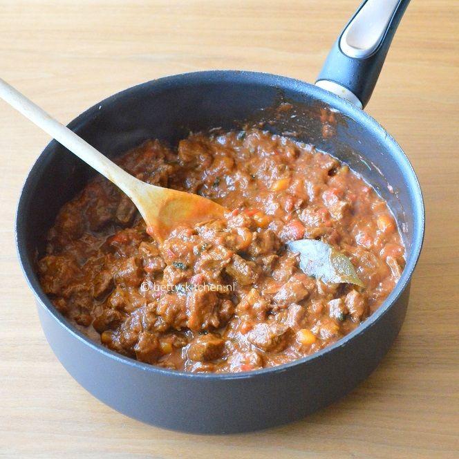 Goulash Stoofschotel van vlees en paprika