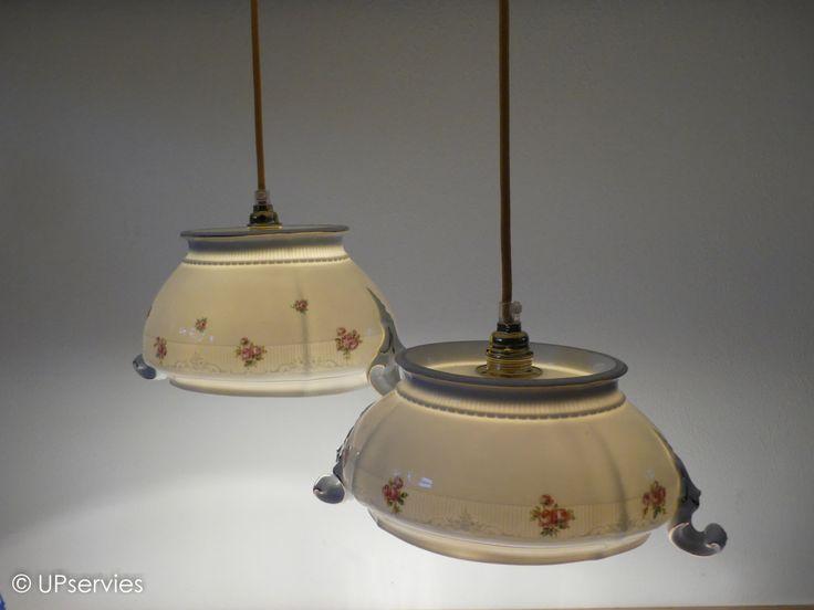 Hanglampen set van vintage porseleinen dekschalen met rozen door upservies op Etsy