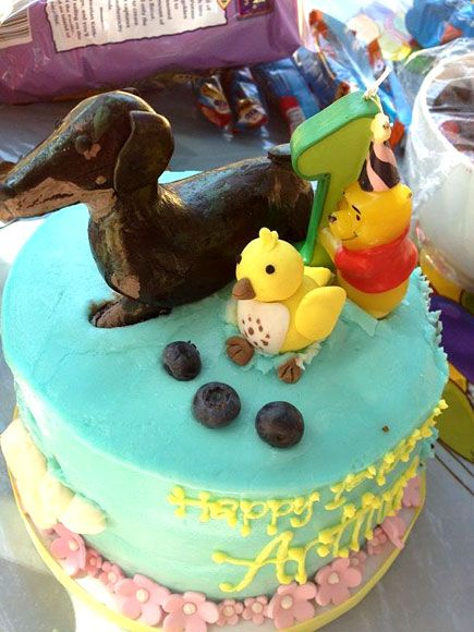 Reese Witherspoon, Jessica Alba, Kourtney Kardashian, Kids Birthday Cakes : People.com