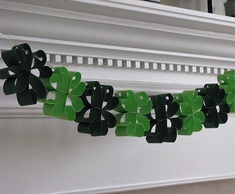 guirnaldas de flores: St. Patties, Crafts Ideas, Clovers Garlands, Lucky St., Saint Patrick'S Day, St. Patrick'S Day, Home Decor, Diy Home, Sheek Shindig