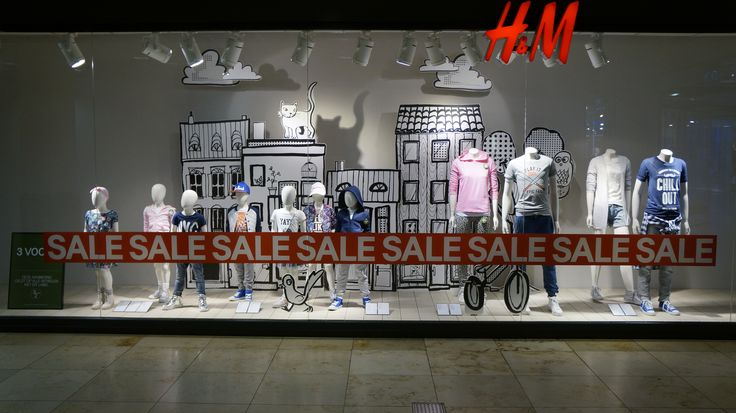 """H&M SALE,Utrecht, Holland, """"spread the word on the street"""", pinned by Ton van der Veer"""