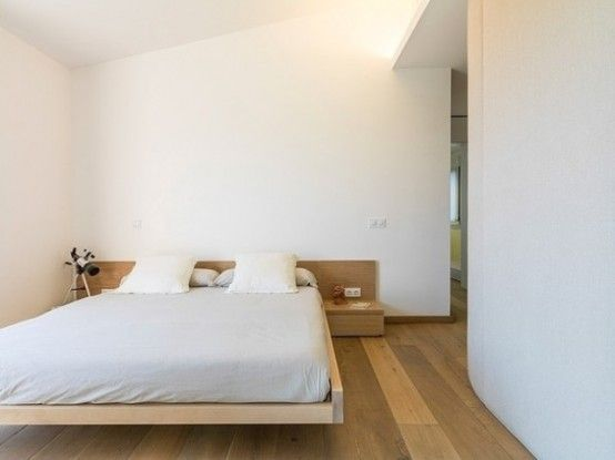 Architecture:Minimalist With Simple Decoration Cozy Bedroom With Floating Bed From Wooden With Headboard Integrated With Bedside Table How t...