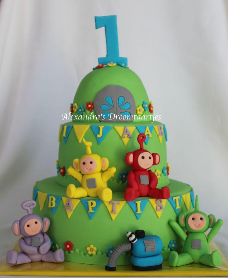 This Teletubbies cake I made for a 1 year old boy. Deze Telebubbie verjaardagstaart heb ik gemaakt voor een jongetje zijn 1e verjaardag