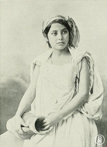 Kobiece piękno - Kabylka (mieszkanka terenów północno-wschodnie Algierii)