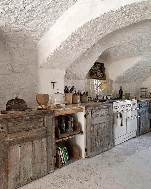 Cocina rustica #Tuscan #Home #Design - Find More Decor Ideas at:  http://www.IrvineHomeBlog.com/HomeDecor/  ༺༺  ℭƘ ༻༻  and Pinterest Boards   - Christina Khandan - Irvine California