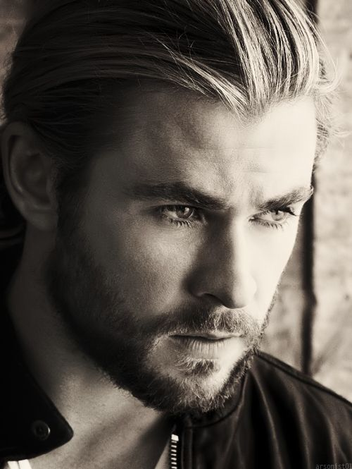 Chris Hemsworth......this man is so attractive he can't be human!