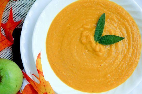 Crema de morcov si mar este o reteta ideala pentru cu care poti incepe diversificarea alimentatiei la bebelusi. Are un gust dulce, care este foarte bine tolerat de copiii de la 6 luni in sus.