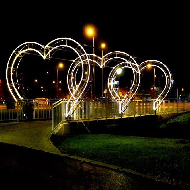 Warsaw heart bridge