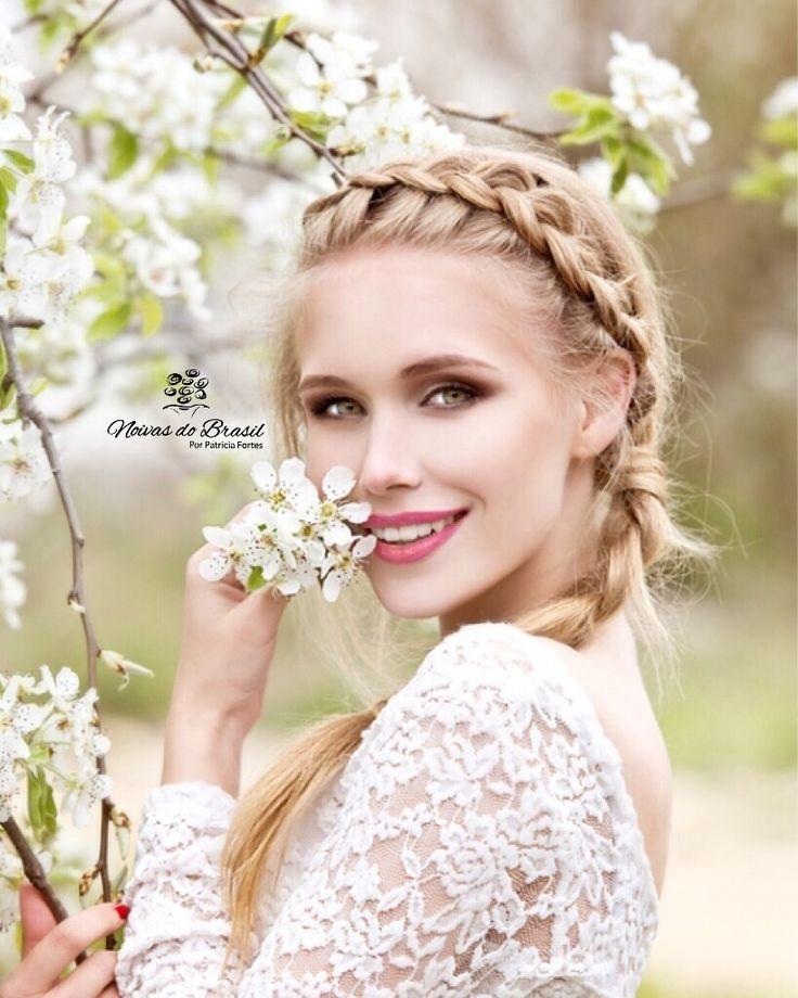[@cutrimodontologia] Dentes brancos e saudáveis fazem toda a diferença no sorriso, ainda mais quando ele além de lindo e perfeito, é de uma bela noiva. 👰🏻😄 #sorrisosabremportas  .  O que está esperando para corrigir aquele defeitinho ou manchinha que te incomoda tanto?! @cutrimodontologia vai te deixar com sorriso perfeito para o grande dia. Ligue agora e agende uma avaliação: (81)3223-0381 👰🏻😄  .  #noivasdobrasil #sorriso #ndbindica #Bride #noiva #sorriso #fornecedor #wedstar #odonto…