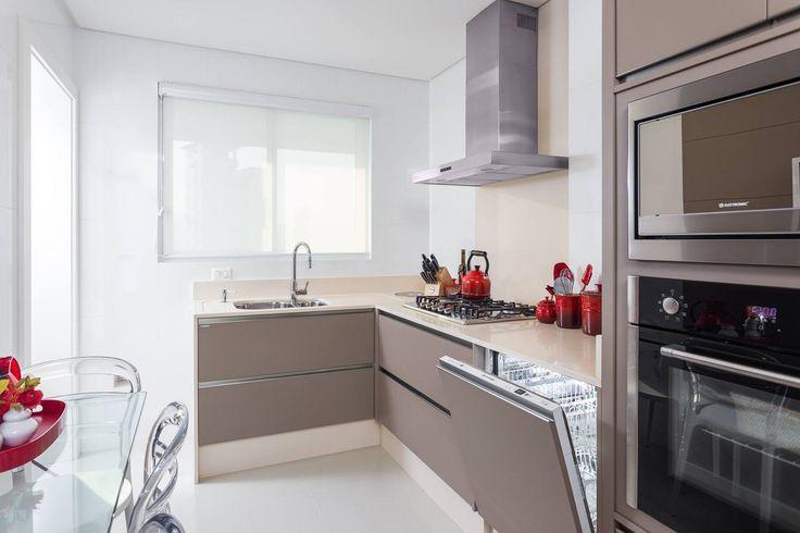 Construindo Minha Casa Clean: Cor Fendi na decoração da cozinha - Tendência!
