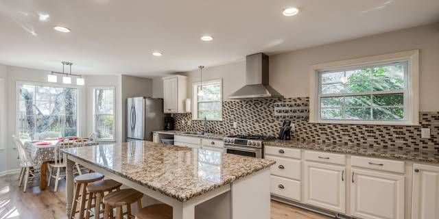 Welcome Home Ranch Style Home With Open Floor Plan 3 Bedrooms 2 Baths With A Bonus Room About The Garage Beauti Beautiful Kitchens Home Ranch Style Home