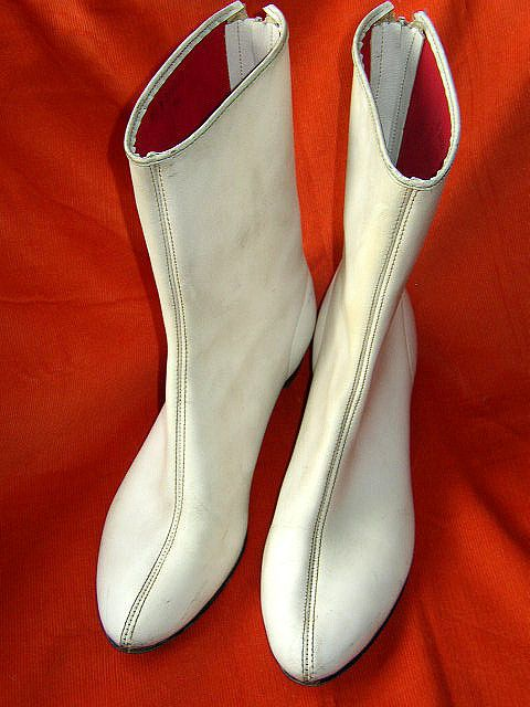 .The infamous Go-Go boots....my 7th birthday gift: 1960S, 5Th Grade, 60 S Go Go, White Go Go Boots, 4Th Grade, 1960 S, 3Rd Grade, Boots Loved