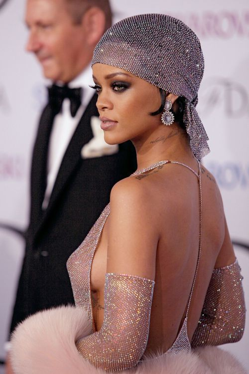 RIHANNA_see through dress