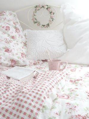 Kuschelige Rosenbettwäsche im #Schlafzimmer #Wohnidee