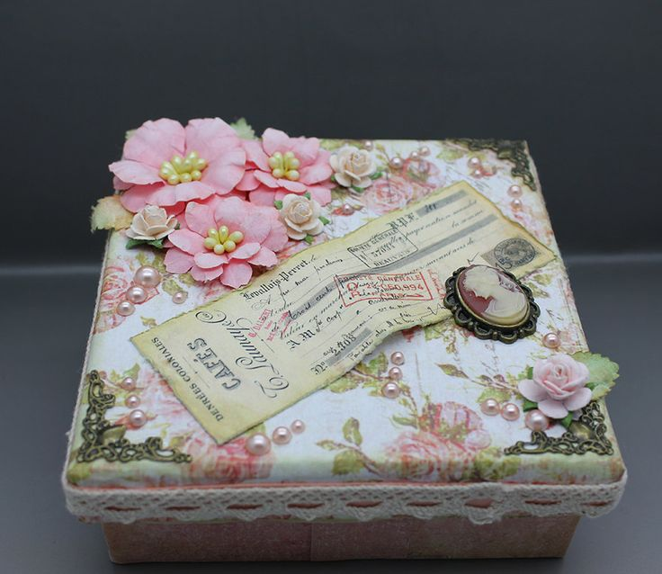Handmade vintage style gift or keepsake box , in light peach and lace by AnoniJewellery on Etsy