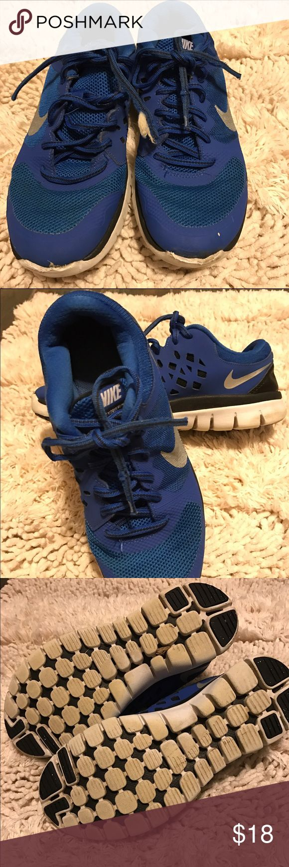 Nike Flex Experience Boys Running Shoes Size 6 1/2 Nike Flex Experience Boys Running Shoes Size 6 1/2 Blue Gray Black Excellent Condition Gently Worn Nike Flex Experience Shoes Sneakers