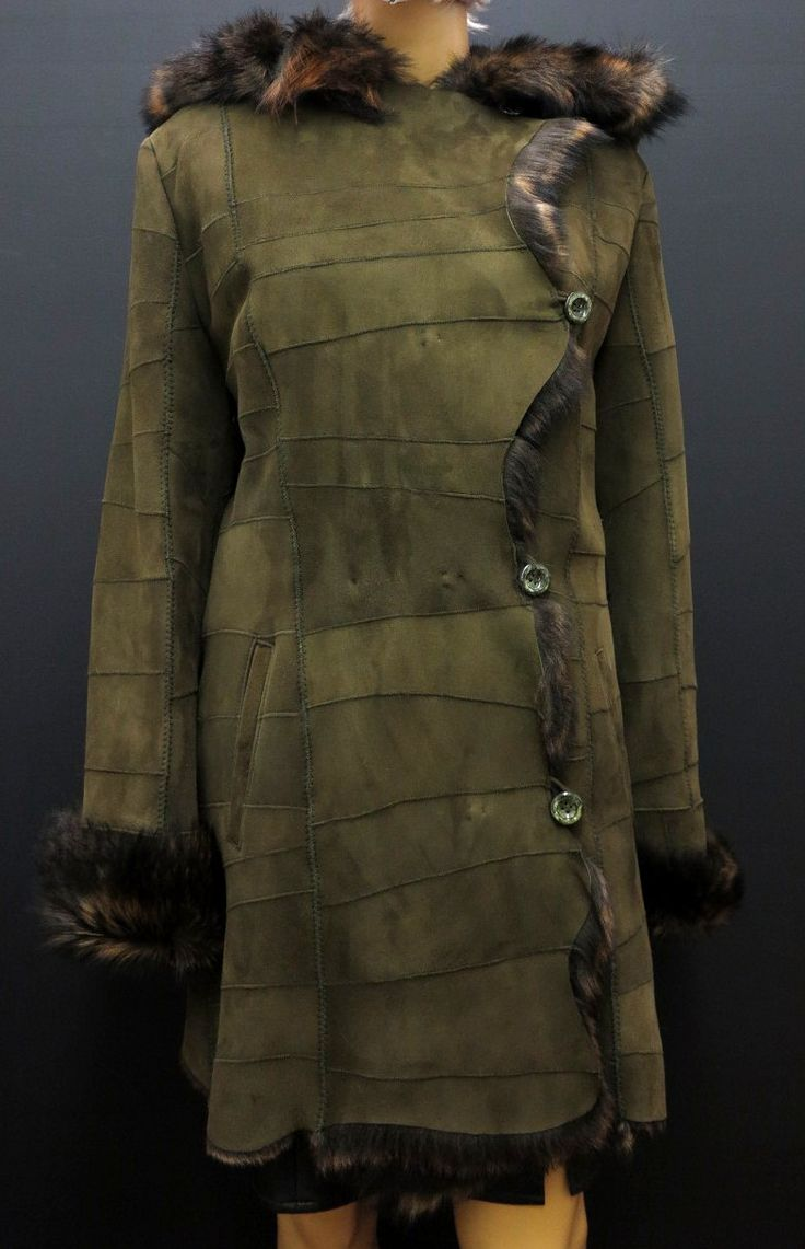 khaki kožešinový kabát z ovčiny