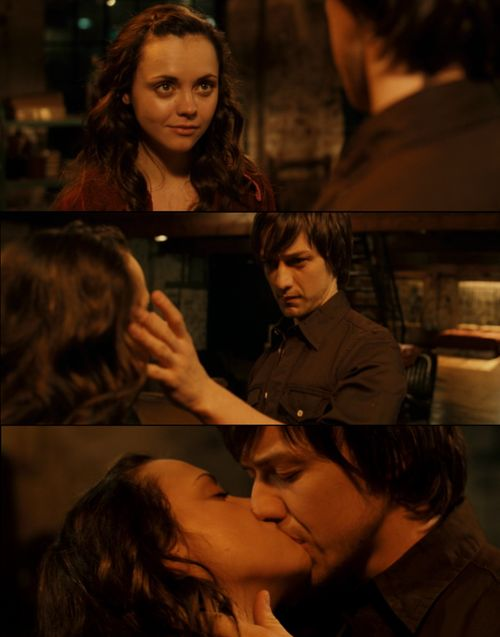 Penelope LOVE this movie and I LOVE James McAvoy <3 <3 <3