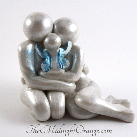 Baby Loss Memorial Statue - Mother Father and Angel Baby clay sculpture - child loss keepsake for pregnancy and infant loss -made to order
