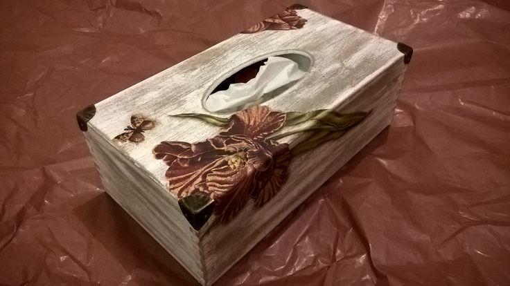 chustecznik, pojemnik na chusteczki, pudełko na chusteczki zdobione techniką decoupage, shabby chic, tulipany