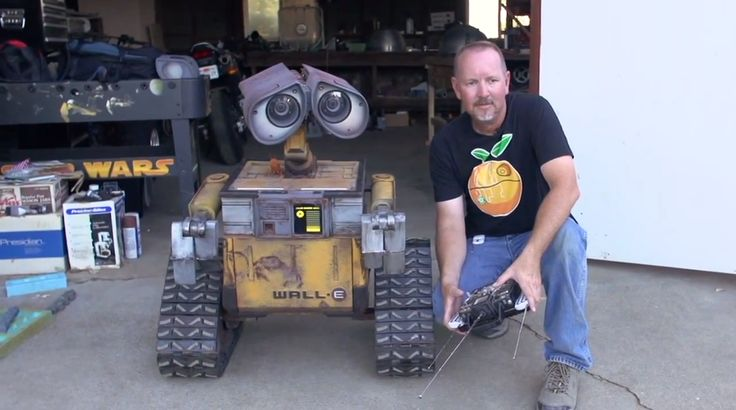 Pixar's+'Wall-E'+brought+to+life+with+impeccable,+life-sized+robot+replica