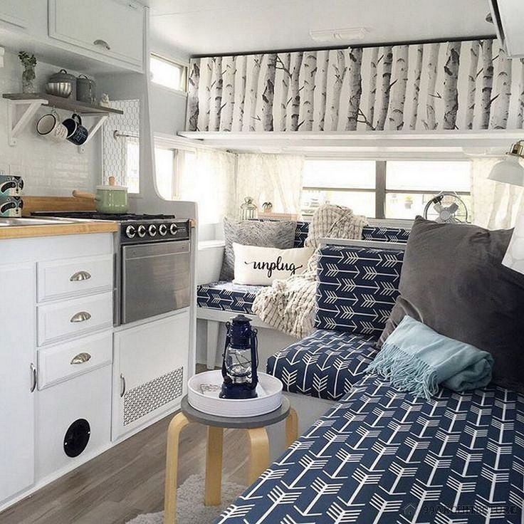Marvelous 65 Top RV Living Hacks Makeover and Renovations Tips Ideas to Make Your Road Trips Awesome https://decoor.net/65-awesome-rv-living-hacks-makeover-and-renovations-tips-ideas-to-make-your-road-trips-awesome-273/