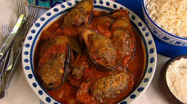 Karen Martini's Mediterranean spiced lamb baked in eggplant - Better Homes and Gardens - Yahoo!7