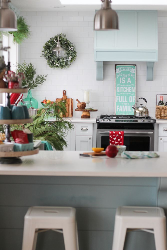 classic-christmas-kitchen-and-christmas-dining-room-at-the-happy-housie-45