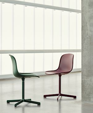 NEU 10 UPHOLSTERY chair's ergonomically moulded shell combined with its cast swivel base results in a perfectly defined profile.