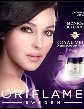 Monica Bellucci imagen de Cosmeticos Oriflame – Linea Royal velvet con extracto natural de flor de iris
