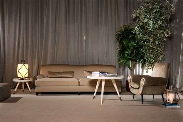 DOM EDIZION: Luxury home #domedizioni #luxuryliving #francois #andresmalltable #smalltable #antonella #armchair