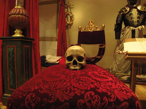 32 best images about gothic bedrooms on pinterest kat von d gothic and bedroom ideas - Cheap medieval home decor ...