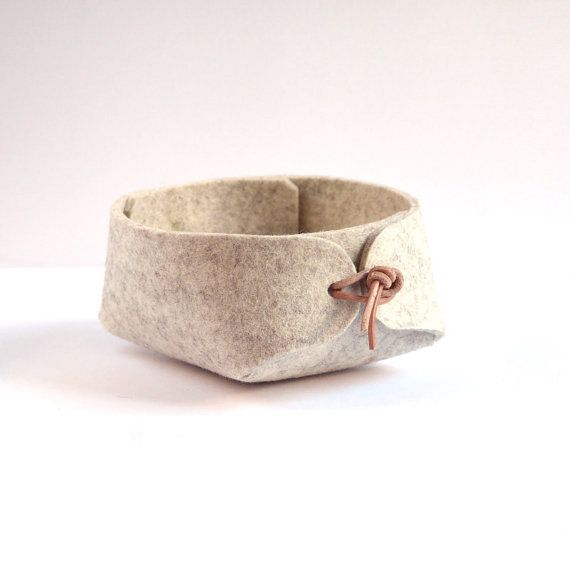 Japanese inspired simple desk organizer in wool felt, Grey basket with leather strap closure | Scandinavious