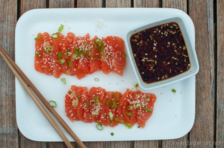 Sashimi med vårløk og spicy saus | Kvardagsmat : heimelaga -men enkelt