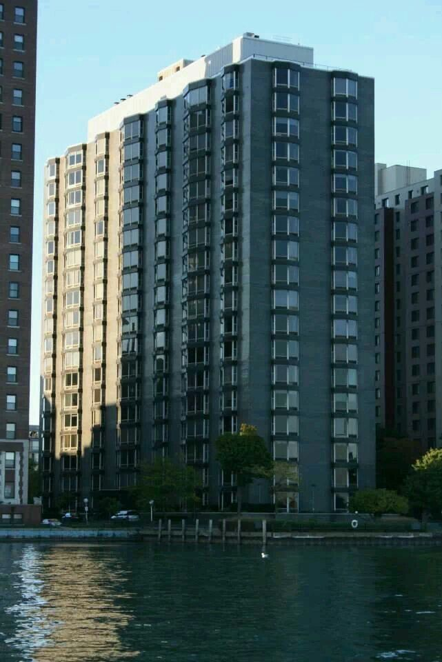 Park Plaza Apartments Detroit Mi