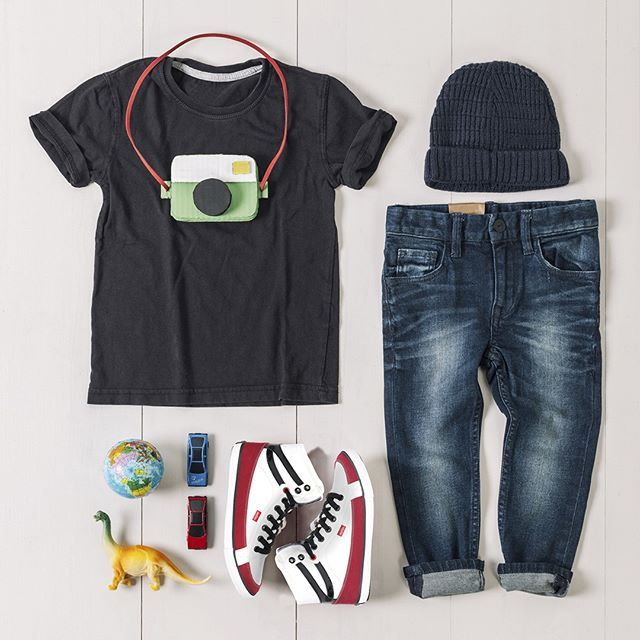 Corak sneakers Ardiles cocok untuk segala style. Casual, office look, feminine, school look semua bisa. Dapatkan sneakers Ardiles di www.ardilesmetro.com  #ardiles #ardilessneakers #sneakers #indonesia #madeinIndonesia #NaturalRubber #doodle #fashion #pictoftheday #ootd #casual #keren #kekinian #livefolkindonesia #traveling #jalan2man #indie #jakarta #bekasi #surabaya #medan #palembang #pekanbaru #manado #tangerang #bandung #onlineshop #olshop